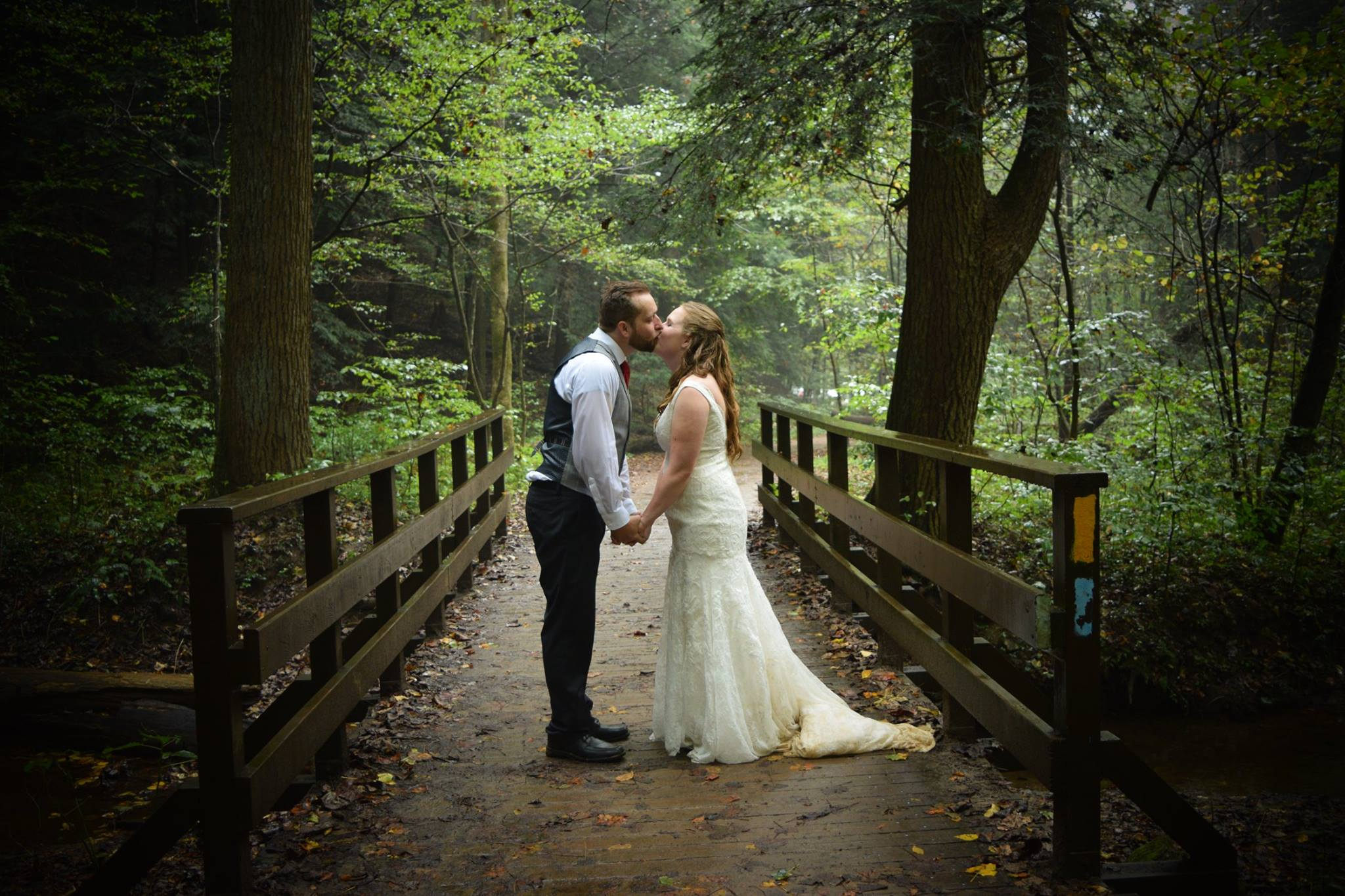 Photo Gallery | Traveling Chapel | Hocking Hills Wedding